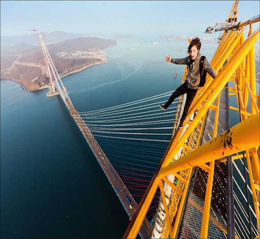 Russian Daredevils Sky Walking Photographs ~ Big Fun - The Fun BlogBig Fun - The Fun Blog: Russian Daredevils Sky Walking Photographs