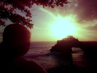 Looking At Ocean Sunset View In The Afternoon of Batu Bolong Temple at Tanah Lot, Tabanan, Bali, Indonesia