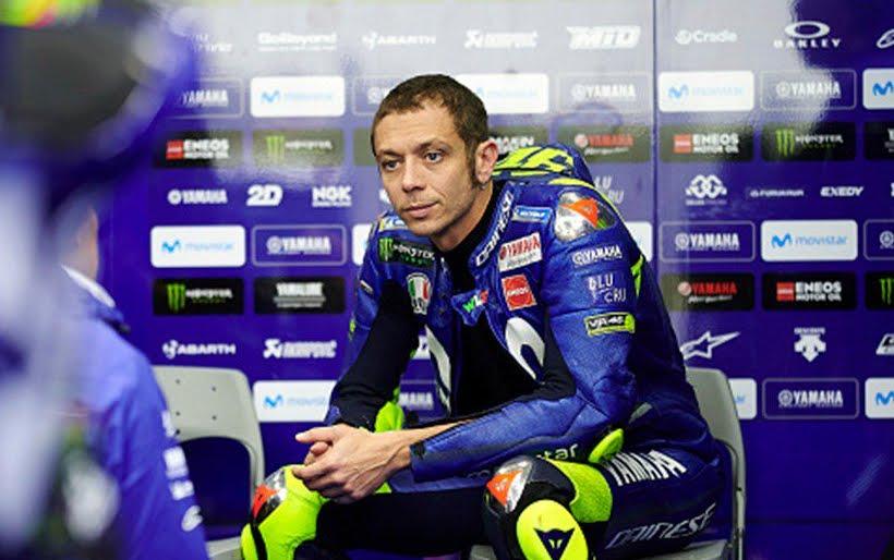 Rojadirecta MotoGP Valencia Streaming, dove vedere partenza gara con un disastroso Valentino Rossi 16° sulla griglia.