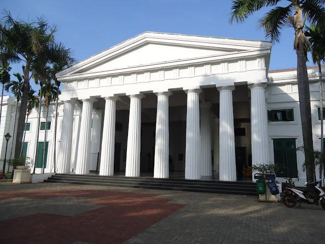 contoh arsitektur kolinial