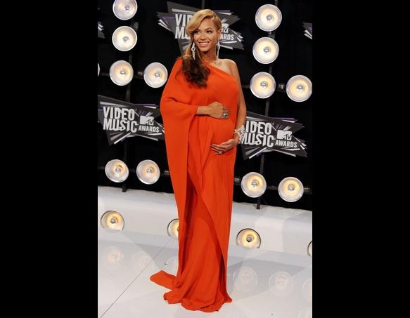 Kiki S Fashion Beyonce S Baby Bump Baby Let Me Upgrade You