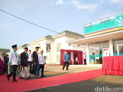 Pakai Sarung, Jas, dan Peci, Presiden Jokowi Resmikan Umat Mart - Info Presiden Jokowi Dan Pemerintah