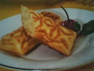 Kue wafel rasa durian