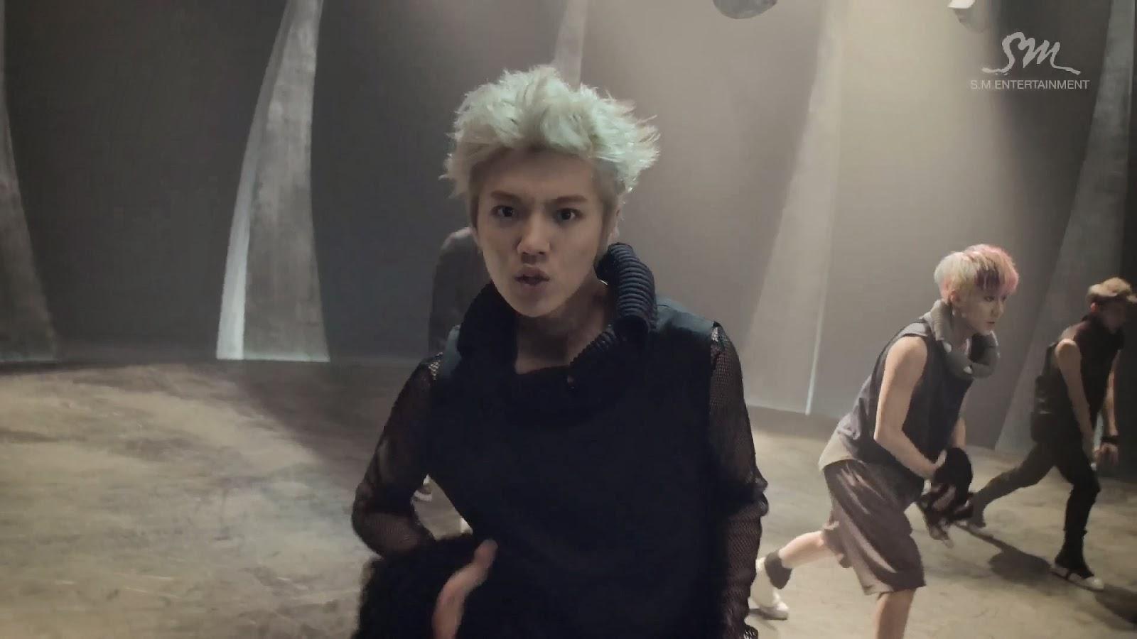 EXO: Wolf MV και who-is-who   I say myeolchi // k-pop in greek  EXO: Wolf MV κ...