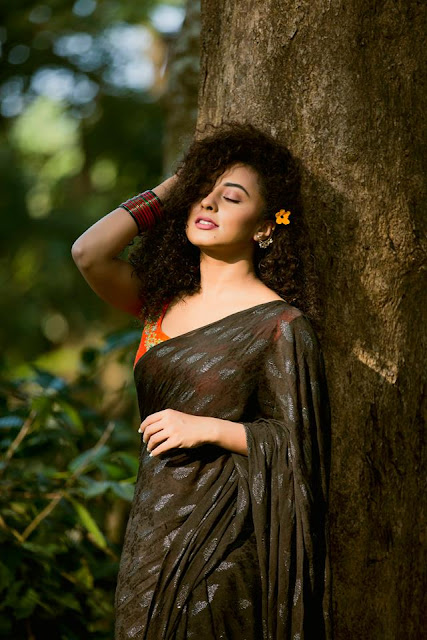 pearle maaney in saari