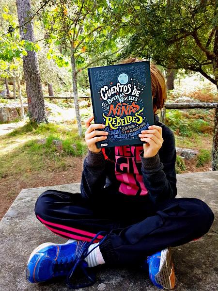 Hoy leemos Cuentos de buenas noches para niñas rebeldes