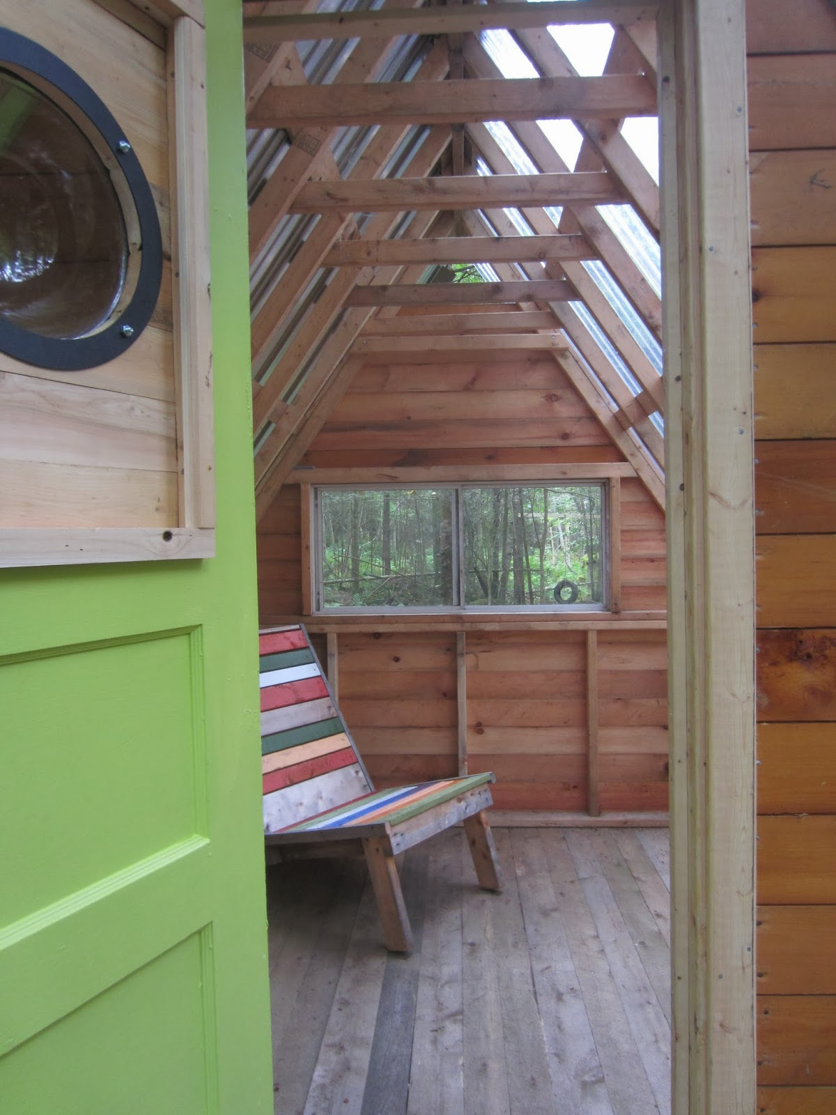 Relaxshacks com: Whimsical and Without Much Wampum- Tiny