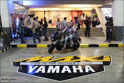 Exclusive parking MAXI Corner Yamaha