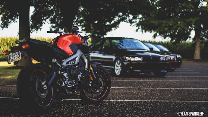 Wallpaper: Yamaha FZ-09 Motorcycle