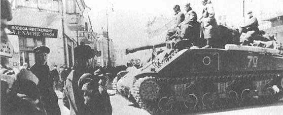 Sherman M4A2 T-34/85 worldwartwo.filminspector.com