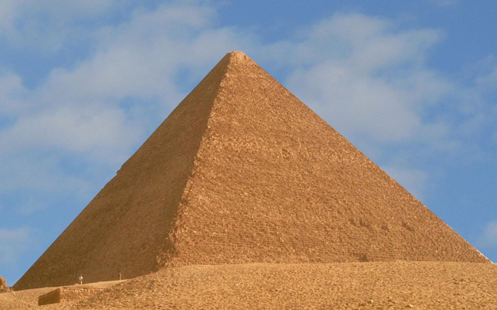 pyramid background-#15