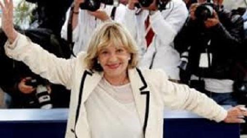 39e7fc064e L'icona degli appassionati di cinematografia , a 89 anni, anche lei la  nostra Jeanne Moreau se n'è andata! Lascia una collezione di film e canzoni  ...
