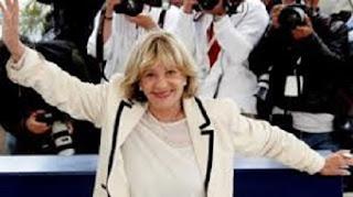 L icona degli appassionati di cinematografia , a 89 anni, anche lei la  nostra Jeanne Moreau se n è andata! Lascia una collezione di film e canzoni  ... fb3a04fad56b