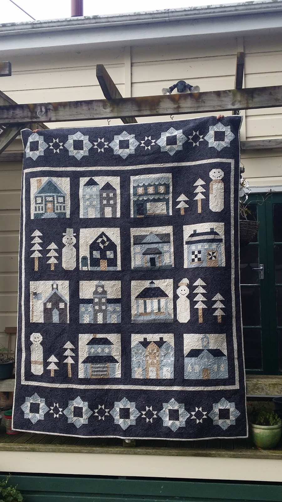 beausoleil quilts snowman village fat quarter shop designer mystery bom 2015. Black Bedroom Furniture Sets. Home Design Ideas
