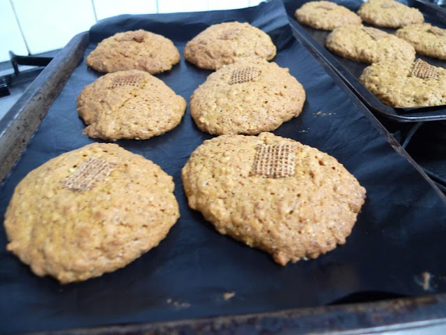 Baking Biscuits with Our Favourite Cereals - shreddies and oats