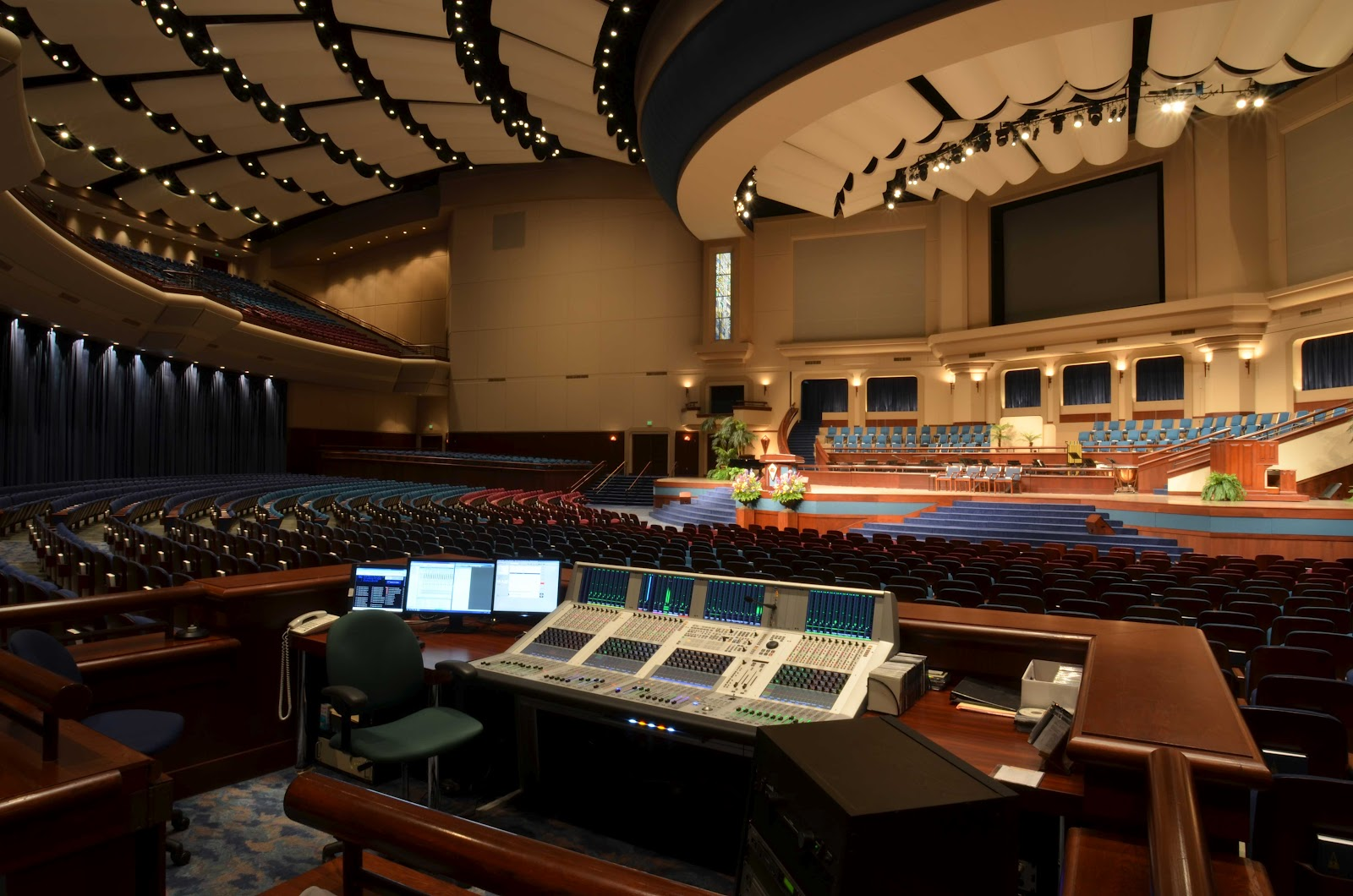 Crowne Centre Auditorium At Pensacola Christian College