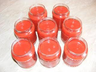 suc de rosii, suc de rosii pentru iarna, suc de rosii de casa, conserve, sucuri, bauturi, sanatate, retete cu rosii, preparate din rosii,