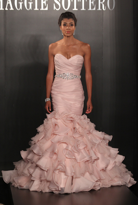 Mark Zunino For Kleinfeld Gave Us A Softer Take On The Color Trend By Giving Soft Mix Of Traditional White With Pink Accents