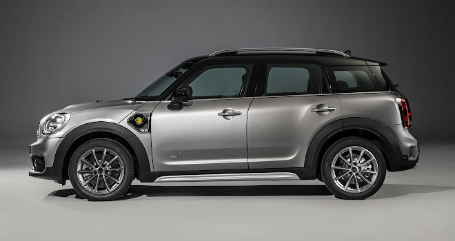 Mini Countryman Cooper S E side view