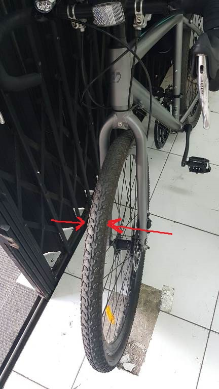 Roda sepeda United Rockford lebar