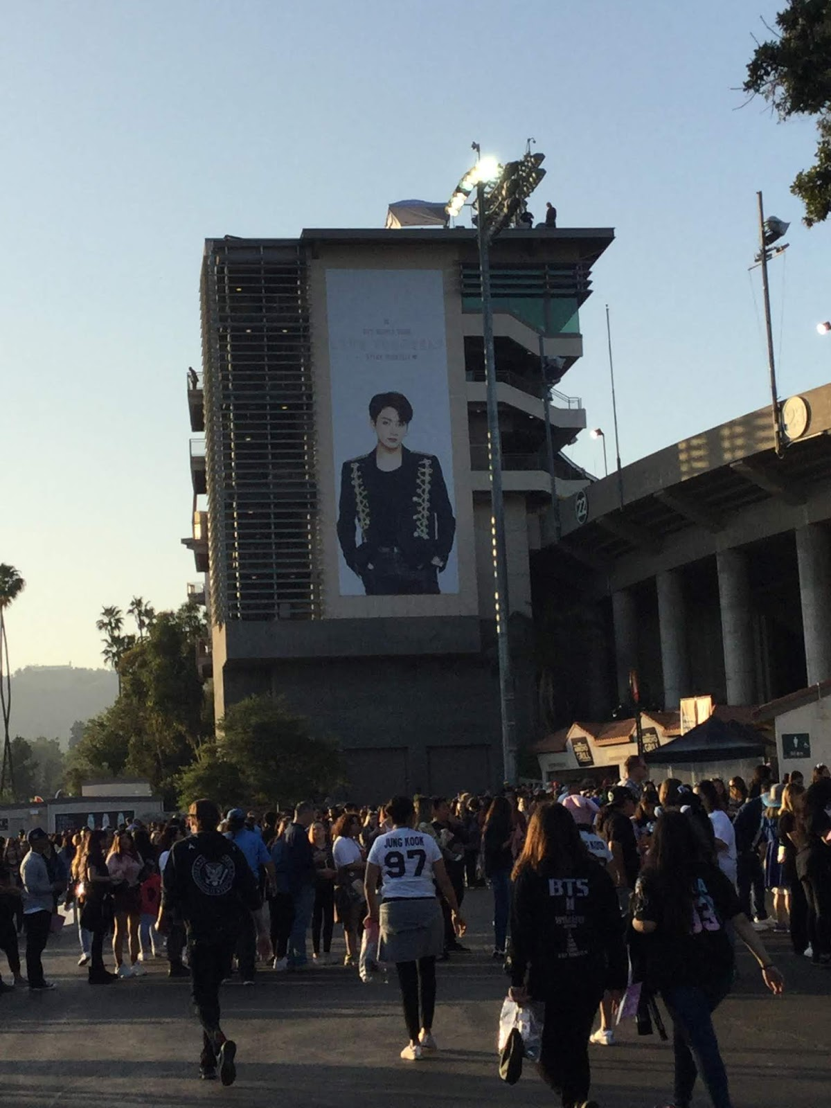 Filmi Girl!: BTS: Speak Yourself Tour at the Rose Bowl, May