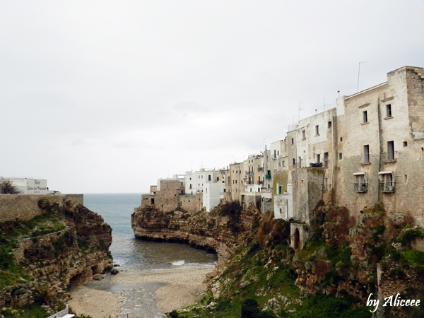 polignano-a-mare-plaja