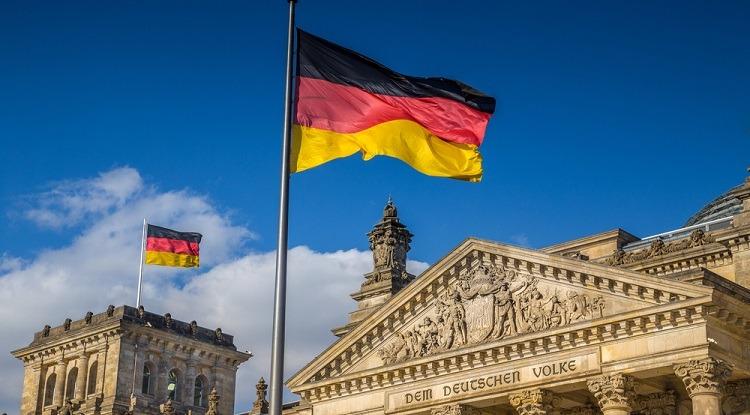 ألمانيا.. دعوات للتنسيق مع الأوروبيين حول حظر توريد أسلحة للسعودية