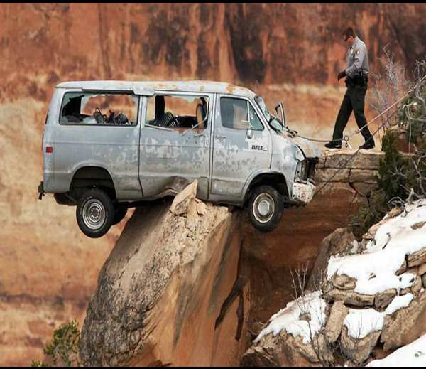 Funny Images Of Some Car Crashes