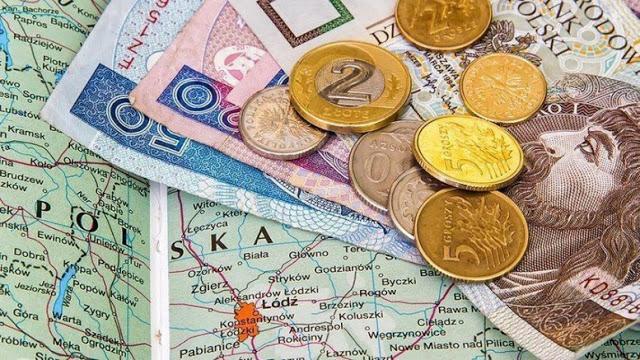 Заробітна плата у Польщі. Скільки можуть заробити українці в 2017 році