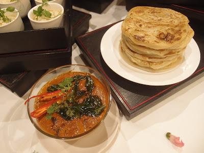 马萨拉蟹肉酱与印度煎饼