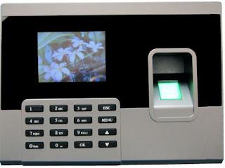 Mua máy chấm công thẻ giấy tại địa chỉ uy tín nhất TPHCM
