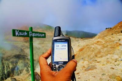 Gunakan GPS atau siapkan peta agar tidak tersesat.