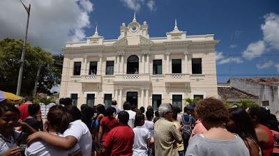 Justiça proíbe ocupação e chaves de prédio em Goiana são devolvidas