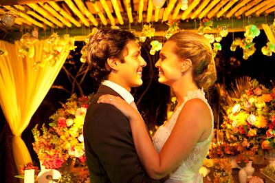 http://www.gamata.com.br/2015/06/casamento-na-praia-bella-e-saulo.html