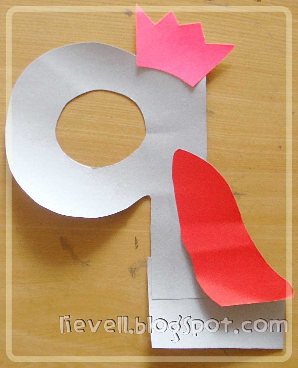 Simply Hood Craft Letter Q