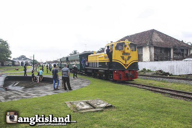 kereta diesel ambarawa