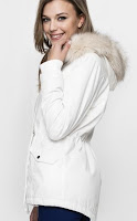 http://www.tally-weijl.com/en/COM/jackets-coats-woman/white--scocosark-whi006?position=22&source=category%20listing