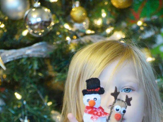 DIY Christmas Finger Puppets {A Christmas Craft}