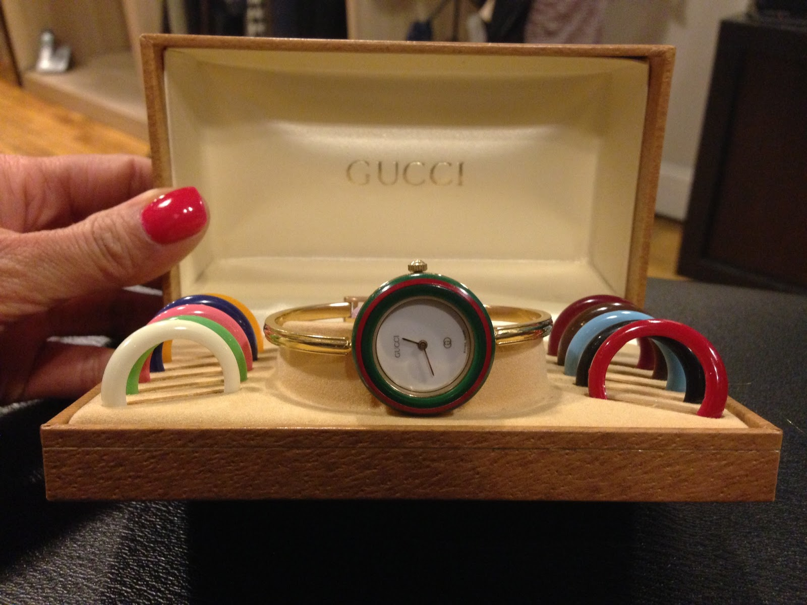 31513f4637e redress boston  THIS JUST IN  Gucci Watch with Changeable Face