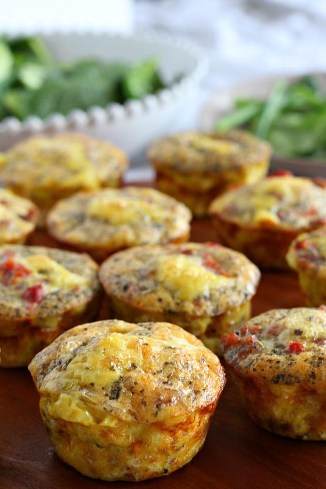 Sausage Pizza Egg Muffins #paleo #egg