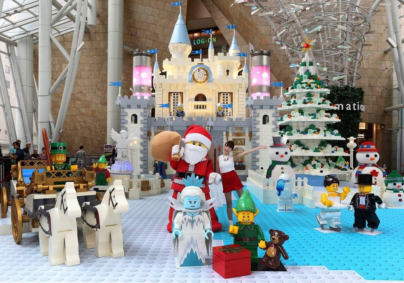 White Christmas LEGO Kingdom