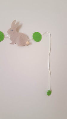 DIY felt bunny garland