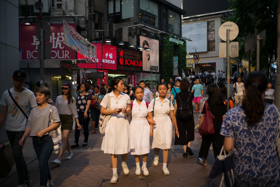 30 Beautiful Pictures Of Girls Going To School Around The World - Hong Kong