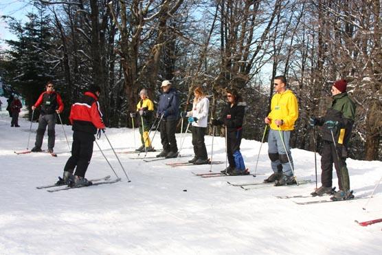 Aprendendo a esquiar no Winter Park em Bariloche com crianças