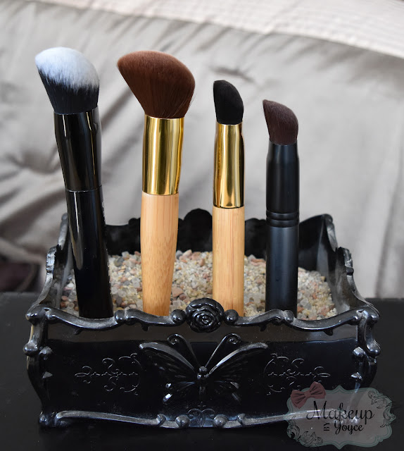 Marc Jacobs Sculpting Foundation Brush Review