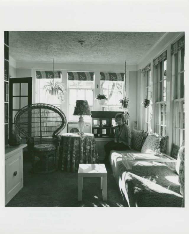 Bay Hill Apartments: 30 Black And White Polaroids Offer An Amazing Glimpse