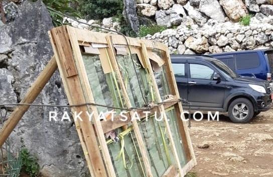 Pengganti Kaca Retak di Burake Sudah Tiba, Namun Mirip Kaca Lemari