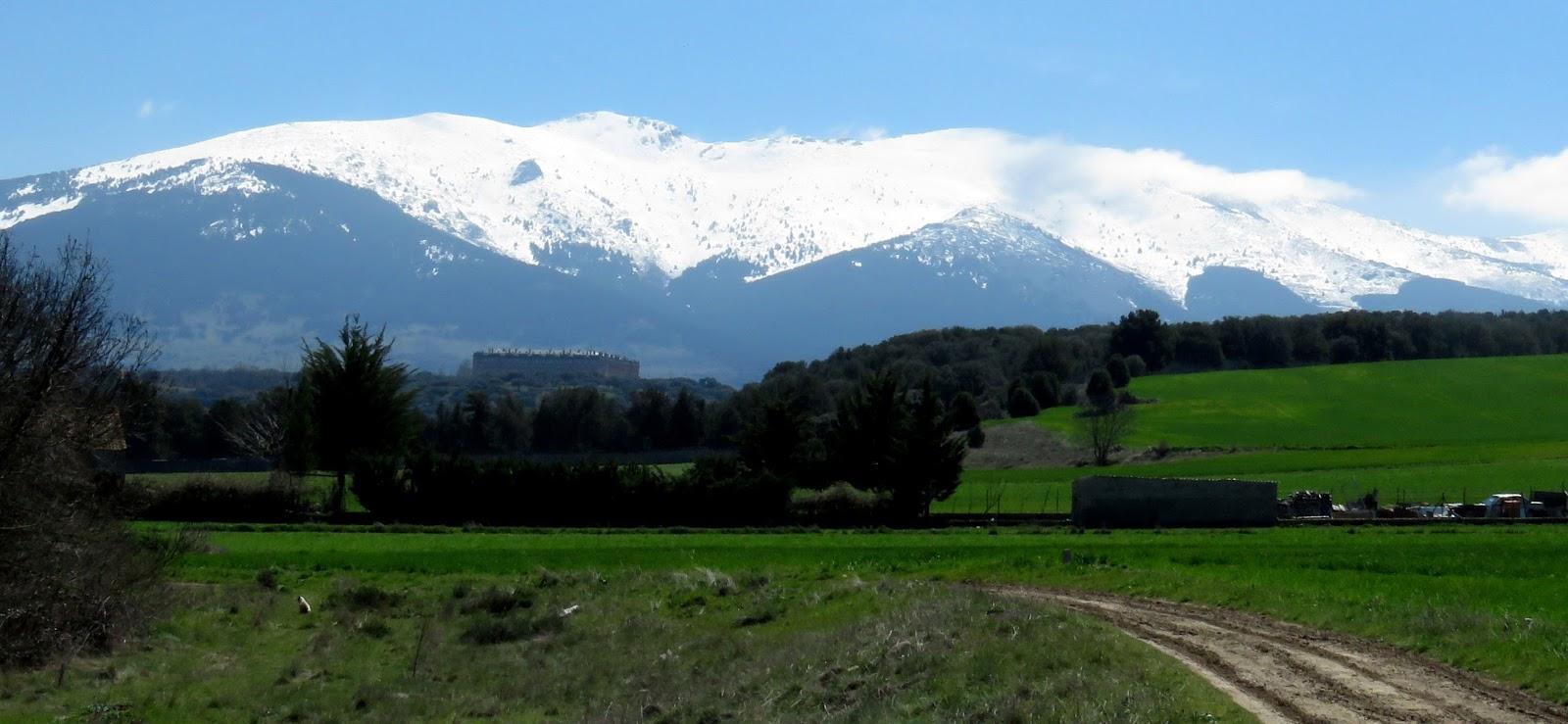 La Mujer Muerta Montana En La Sierra De Guadarrama Segovia