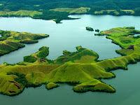 Pesona Danau Sentani Papua