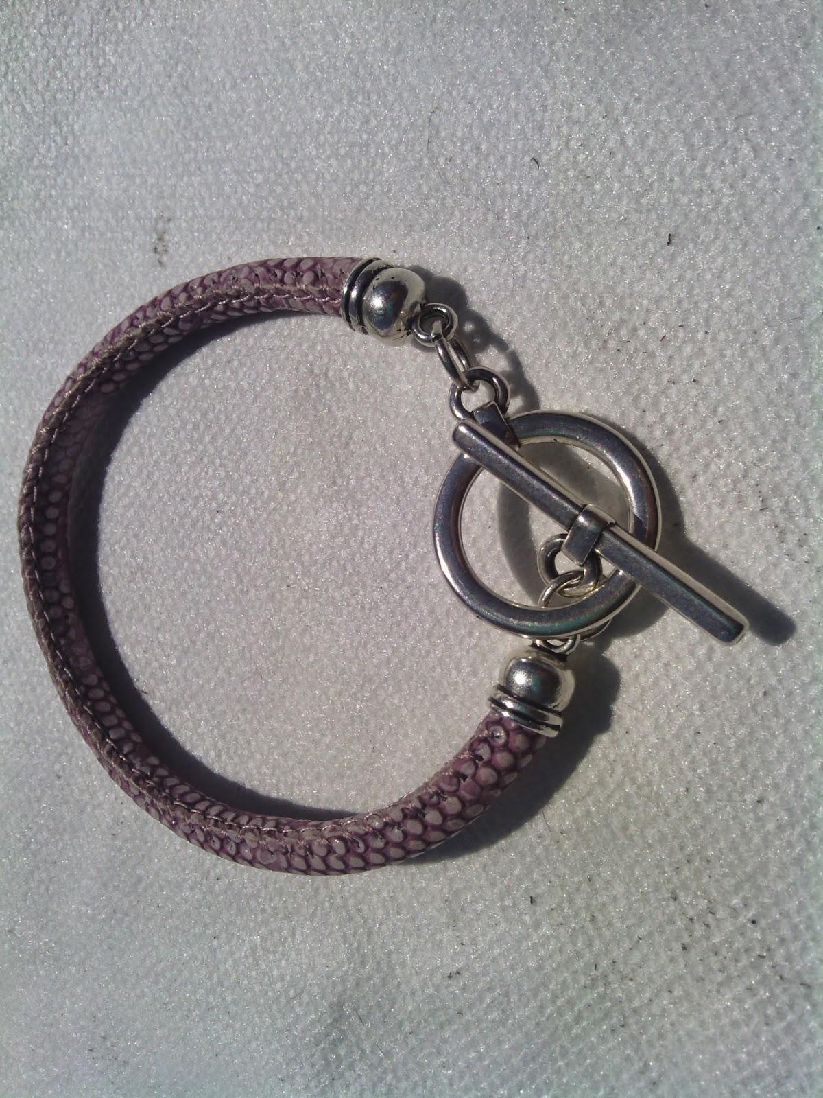 ff3a8b01a5b6 Mi maletín de pulseras de cuero y más  2014